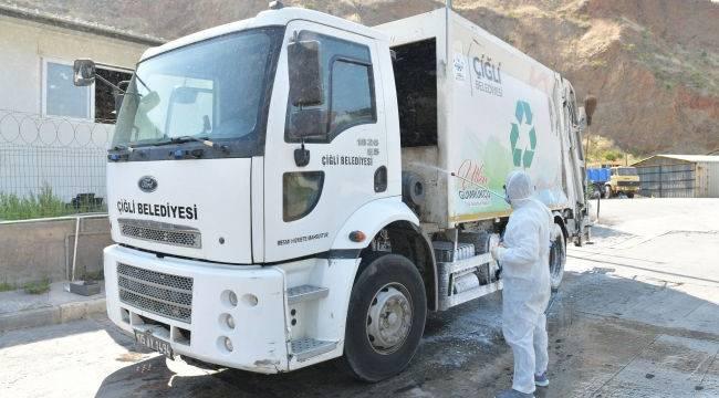 Çiğli'de çöp kamyonlarına Koronavirüs dezenfeksiyonu
