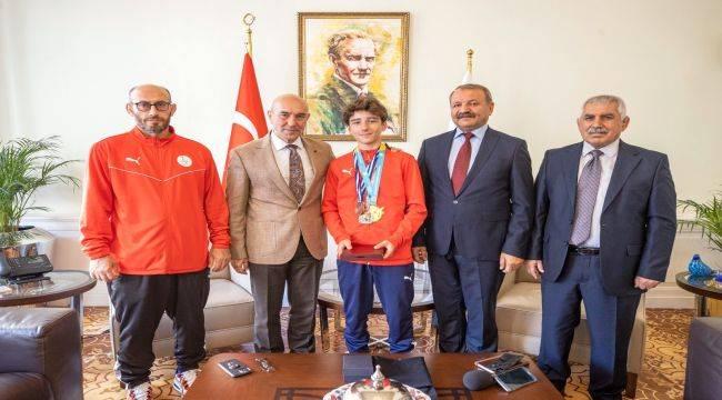 Başarılı Sporcu İzmir'e Birincilik Getirdi