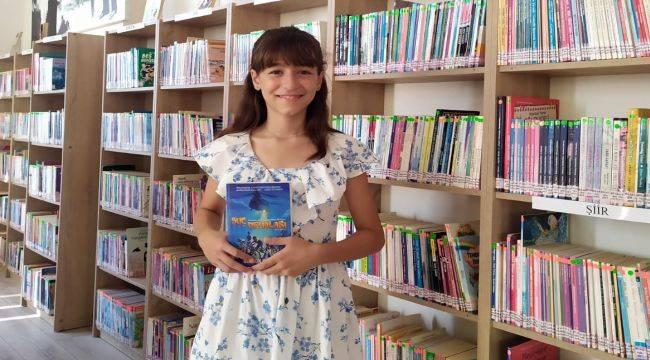 Kitap Kurdu Elif'in Hayali Bilim İnsanı Olmak